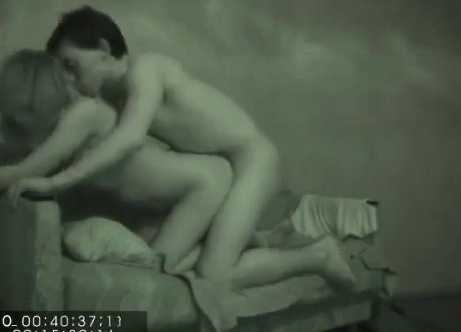 Порно Видео В Очках Домашнее