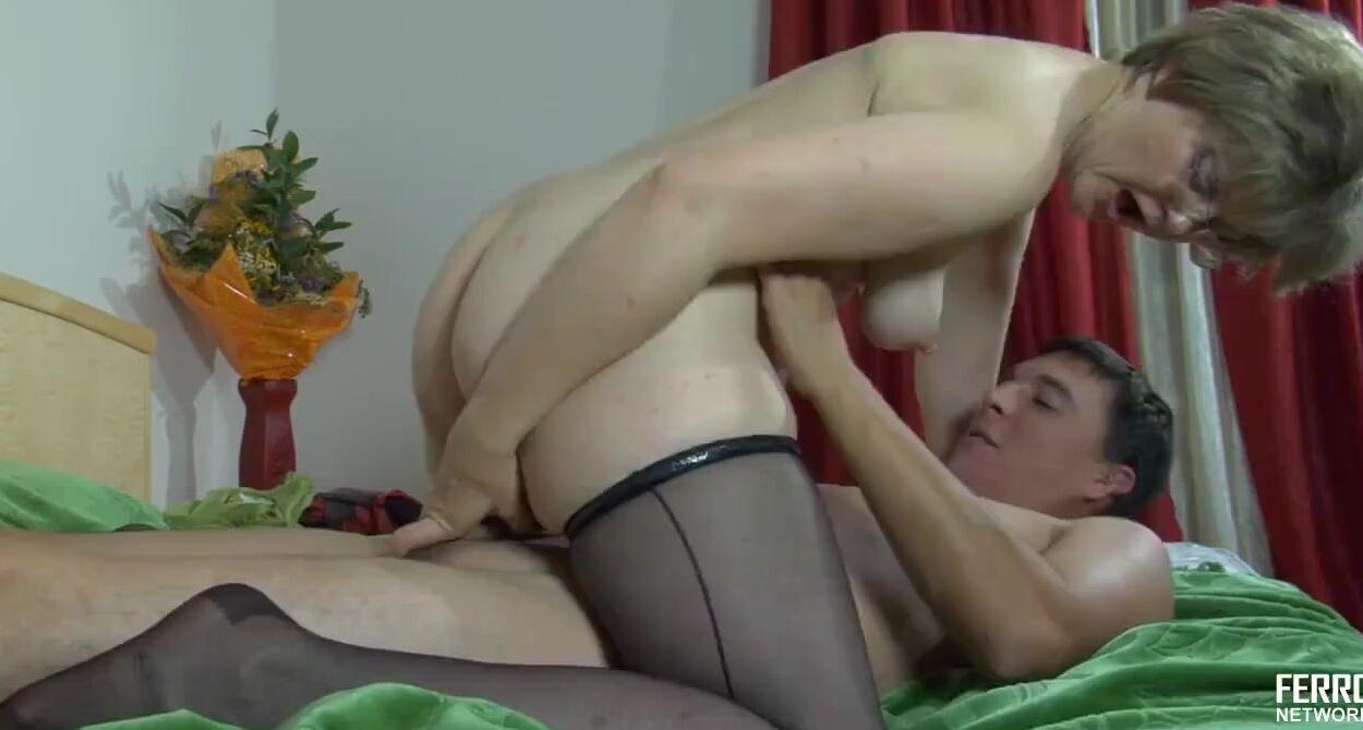 Зрелые Занимаются Оральным Сексом