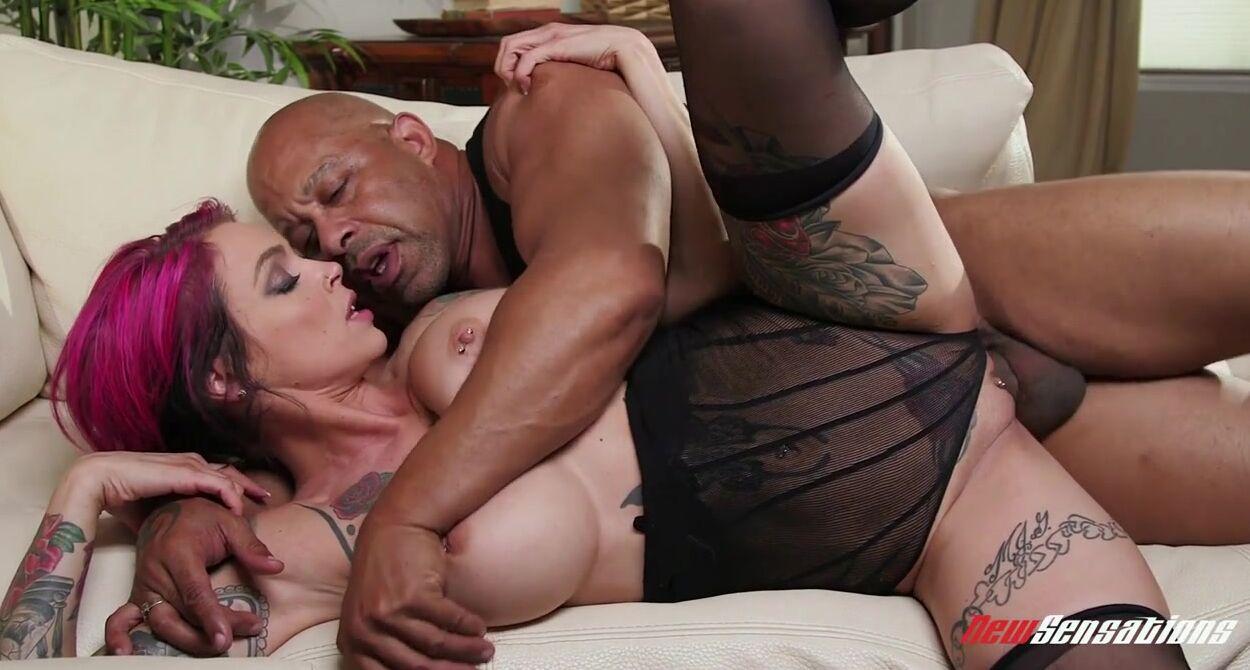 Кастинг секс пары просто супер - порнорежиссер взял обоих трахушников