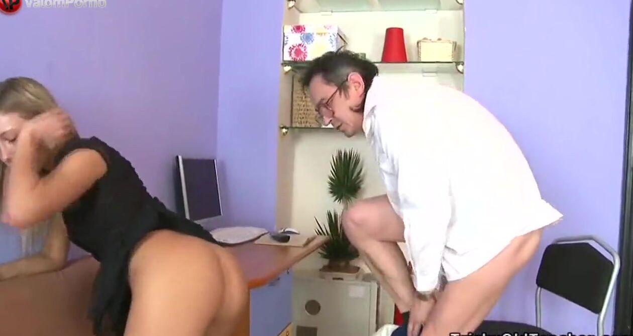 Порно Видео Развели Студентку